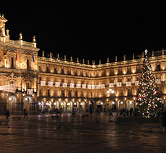 Spanish plaza at Christmas time