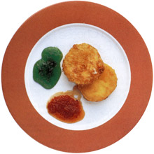 Fried Los Ibores Cheese with Red and Green Tomato Jams